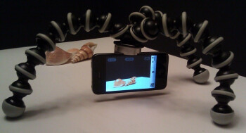 Capta is a multipurpose phone-neutral accessory that works as a tripod mount and a stand