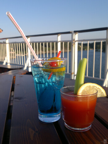 3. esbo - Nokia N8Blue Angel and Bloody Mary