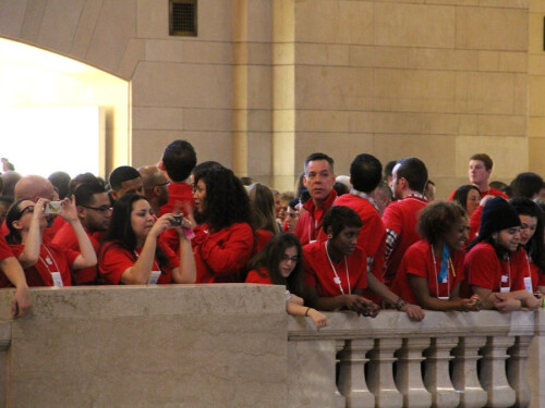 Apple+Store+At+Grand+Central+Station+opens+to+huge+crowd