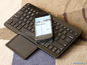 Motorola Wireless Keyboard with Trackpad hands-on