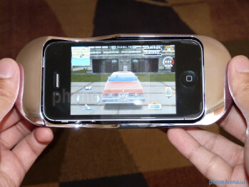 PowerSkin Gaming Case for iPhone hands-on
