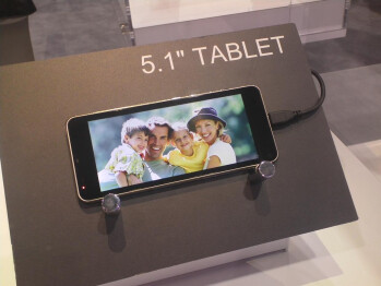 """Toshiba shows off 5.1"""", 7.7"""" and 13.3"""" tablets, no real info yet though"""