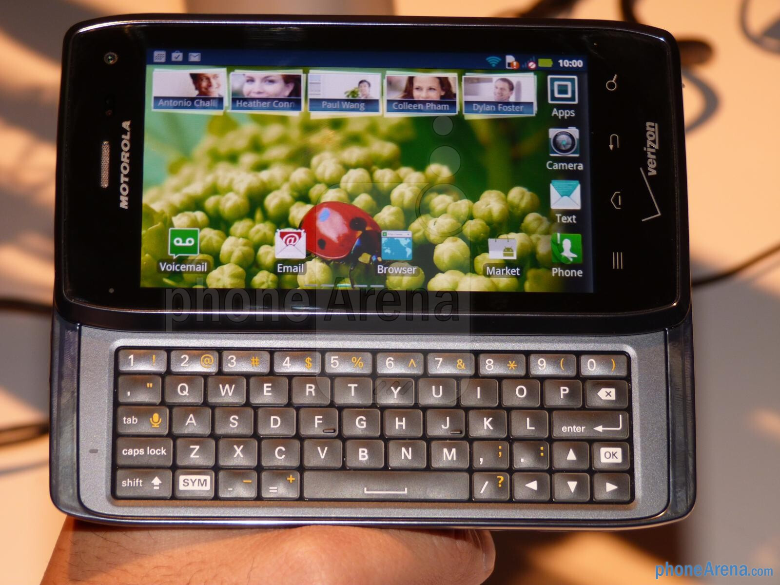 Motorola DROID 4 hands-on | PhoneArena reviews - PhoneArena