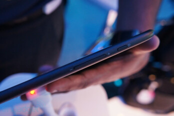 "10"" Lenovo tablet prototype promises ten hours of Android ICS use with Intel's Medfield silicon"