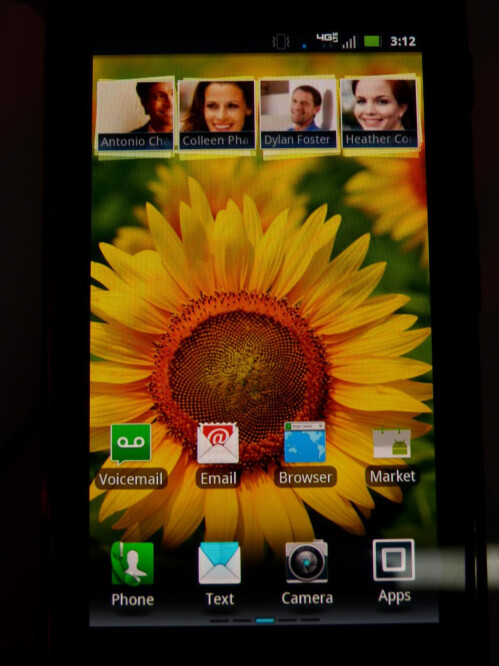 Motorola+DROID+RAZR+MAXX+hands-on