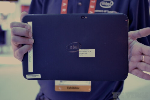Intel+actually+has+a+Clover+Trail-powered+tablet+on+display+at+CES