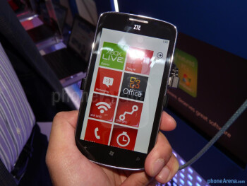 ZTE Tania hands-on