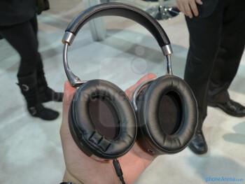 Parrot Zik Bluetooth headphones hands-on