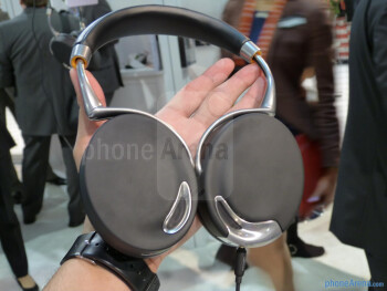 Parrot Zik Bluetooth headphones hands-on