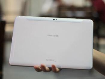 Samsung Galaxy Tab 10.1 and Galaxy Tab 7.7 in white