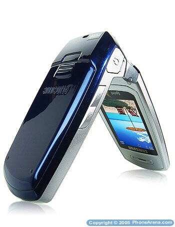 Sprint PCS launches 4 new clamshell phones