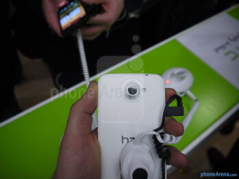 HTC One X Hands-on Review