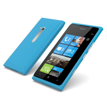 Nokia Lumia 900 goes international, starts shipping in Q2