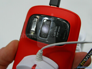 Nokia 808 PureView does't feel as premium as the N8