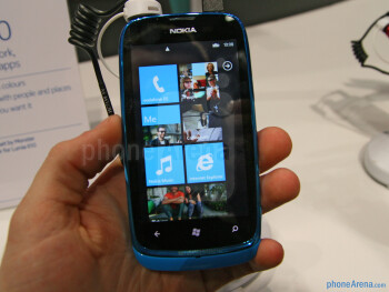 It's clearly visible that the Nokia Lumia 610 is targeted at the younger crowd with its fresh, colorful appearance