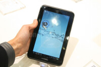 Samsung-Galaxy-Tab-2-7.0-Hands-on-Review-03