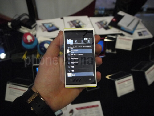 ViewSonic+ViewPhone+4s+and+4e+dual-SIM+phones+Hands-on+Review