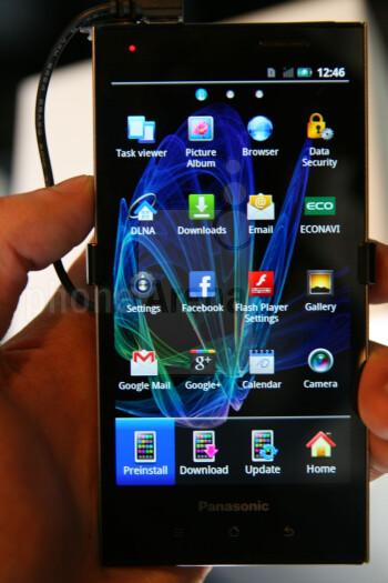 The screen has a qHD 540x960 resolution
