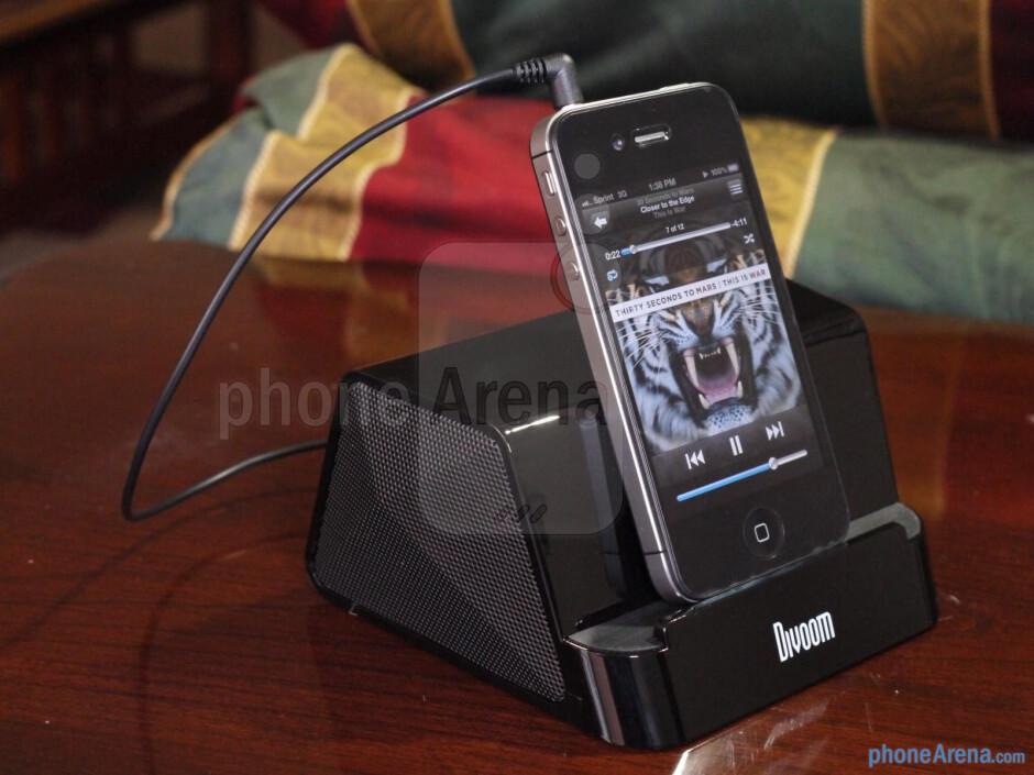 Satechi Divoom iFit-2 speaker stand hands-on