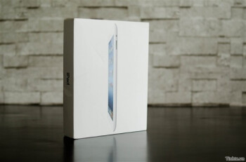 New iPad first unboxing comes from Vietnam: 1GB of RAM, CPU speed hasn't changed