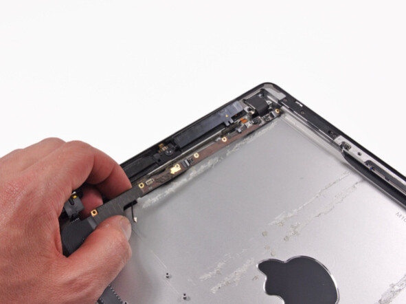 New iPad gets obligatory iFixit teardown, exposing iGuts