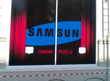 What will Samsung announce on March 30th? - Samsung to announce something at Phones4u store in London on March 30th (not really)