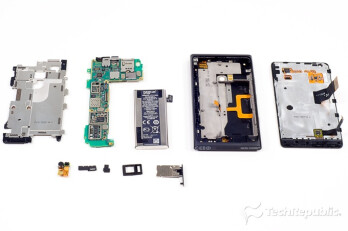 Nokia Lumia 900 torn down: looking inside the unibody shell