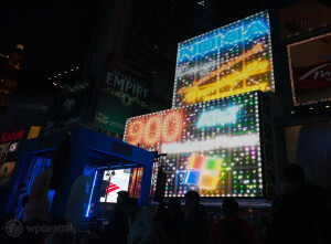 The Nokia Lumia 900 takes over Times Square - Some Nokia Lumia 900 pre-orders arrive; device is center of attention in Times Square