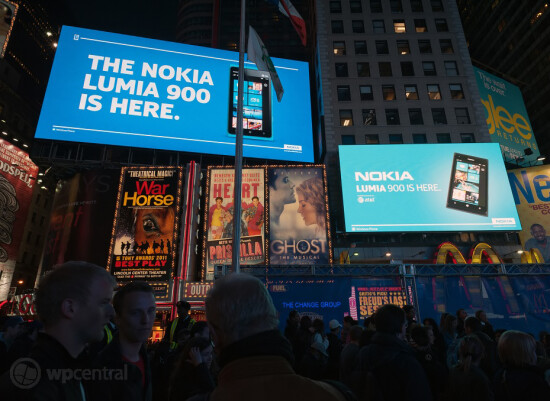 Times Square rocks to the Nokia Lumia 900 - Some Nokia Lumia 900 pre-orders arrive; device is center of attention in Times Square