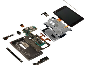 Nokia Lumia 900 teardown