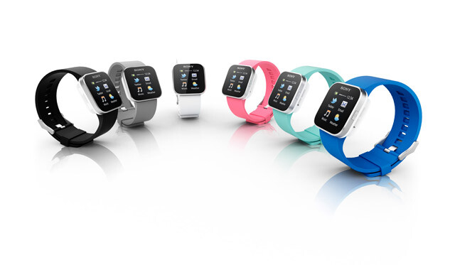 Sony's SmartWatch arrives in the US, you can have it for $150