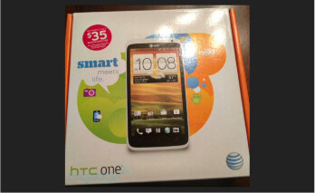 AT&T sells an HTC One X early to one lucky customer