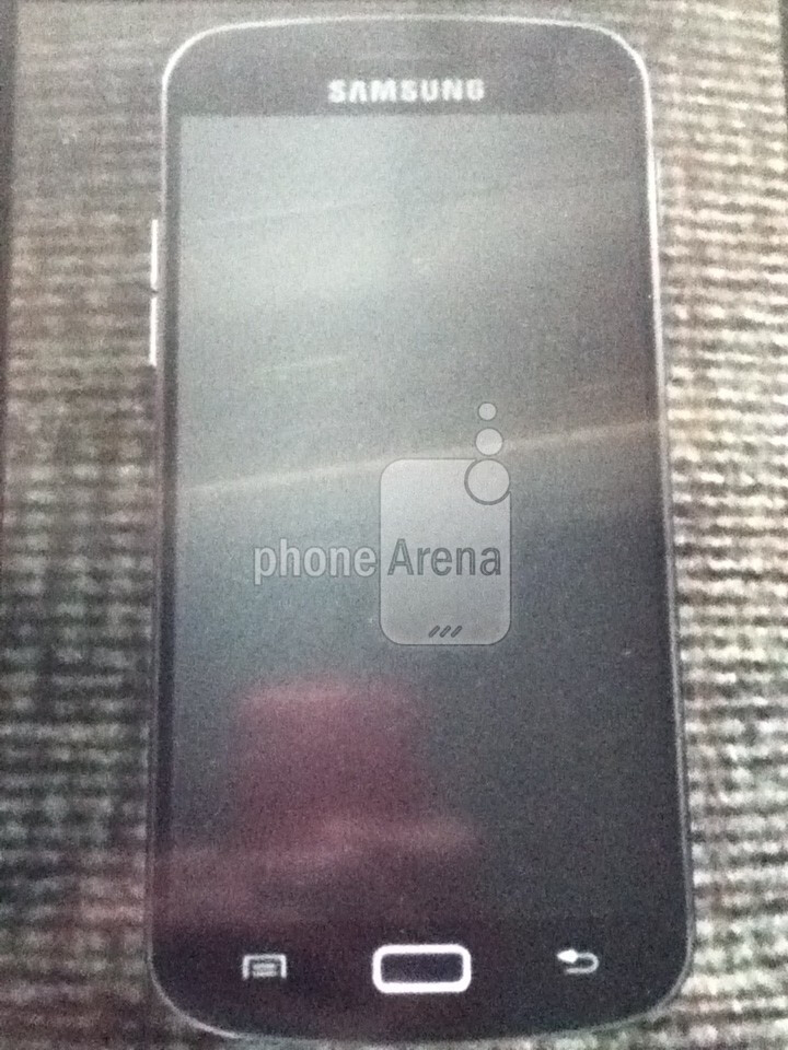Alleged Samsung Galaxy S3 photo shows both physical and capacitive buttons