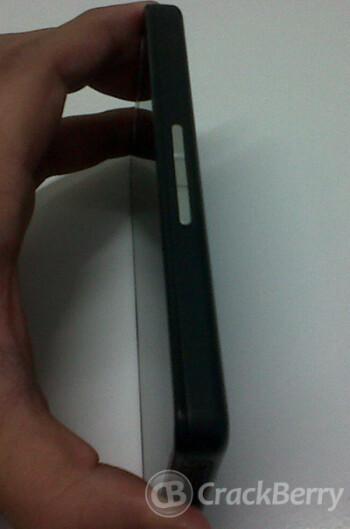 Leaked picture reveals new BlackBerry 10 Alpha Developer's phone