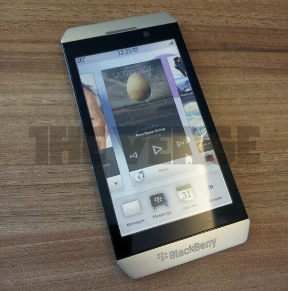 Is this the BlackBerry London? - Leaked picture reveals new BlackBerry 10 Alpha Developer's phone