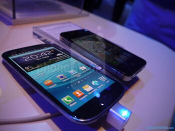 Galaxy S III vs iPhone 4S/4