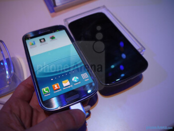 Galaxy S III vs Galaxy Nexus
