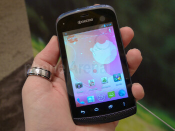 Kyocera Hydro hands-on