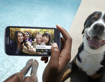 Galaxy S III can automatically tag friends and send the picture to them