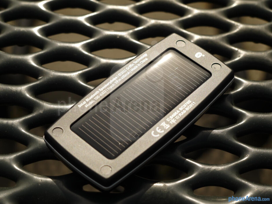 Griffin SmartTalk Solar hands-on