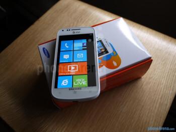 Samsung Focus 2 unboxing