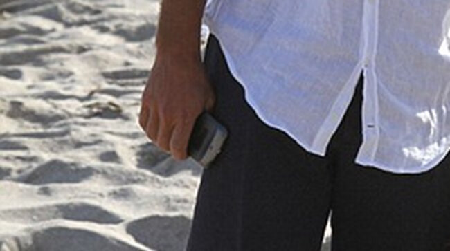 George Clooney rocks a Galaxy Nexus at Android ad filming