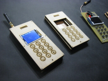 MIT researchers create do-it-yourself mobile phone