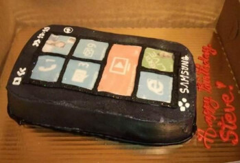 Can you bake a Windows Phone cake?