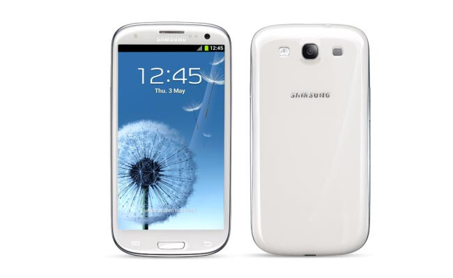 The T-Mobile version of the Samsung Galaxy S III compared to the international variant (R) - Alleged photos of T-Mobile's Samsung Galaxy S III look just like international model