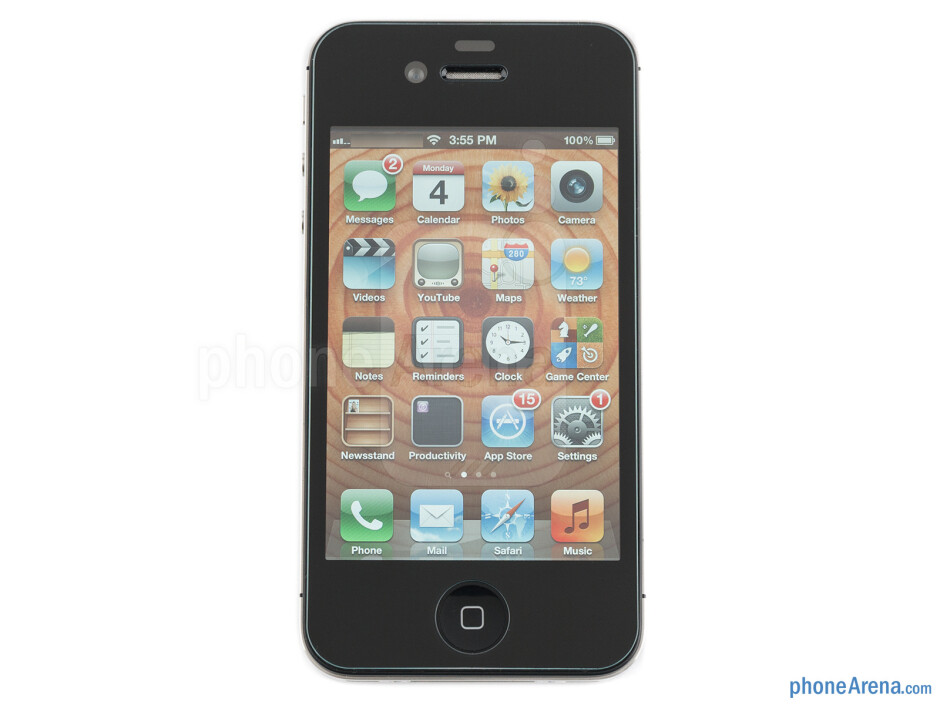 Wipe the surface of the iPhone 4S and apply Ultra Glass with a steady hand - Ultra Glass screen protector for iPhone 4S Review