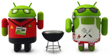 Only 1,000 sets of this special Android mini collectable will be available at July's Comic-Con (L) while on the right is the box from Series 1