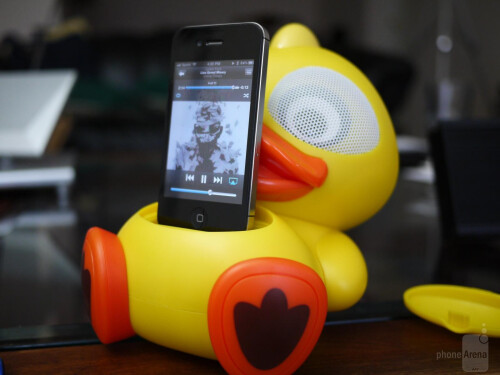 Electric Friends Speaker Docking Station for iPhone hands-on