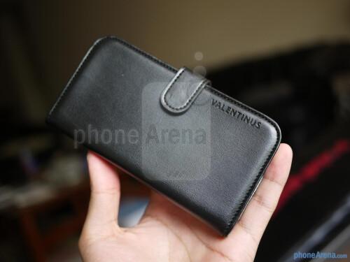 Spigen Valentinus Wallet Case