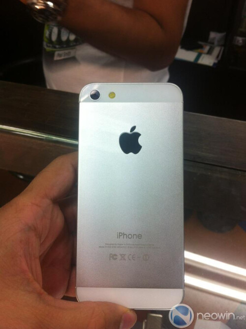 iPhone prototype images surface